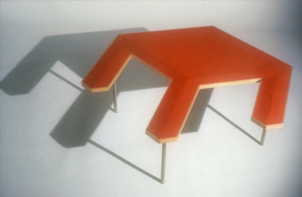 Virtual Table Red